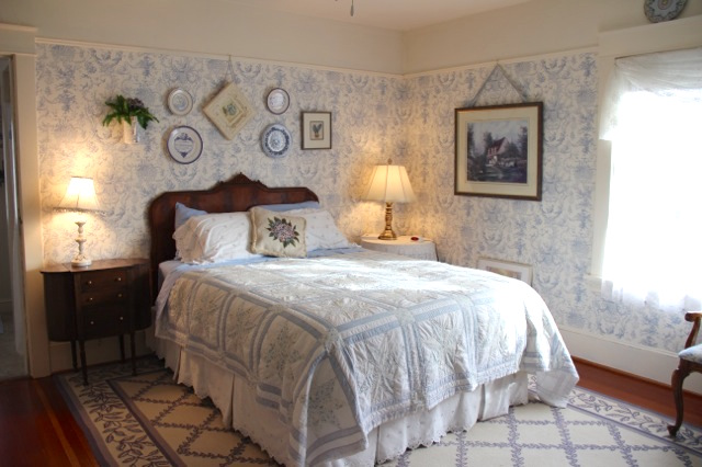 French Tuile Bedroom Briar Rose